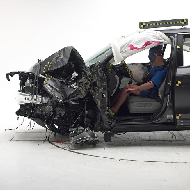 2016 honda-pilot-crash-test