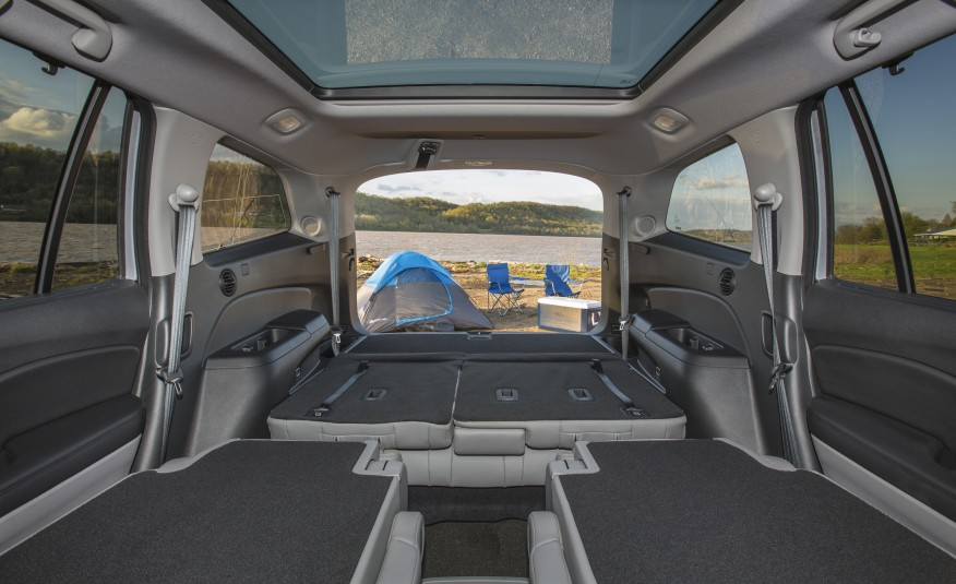 2016-Honda-Pilot- interior camping