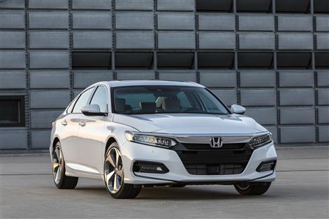 Preview_02 - 2018 Honda Accord Touring